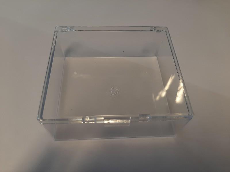 9939784 - Kunststof doosje met scharnierend deksel