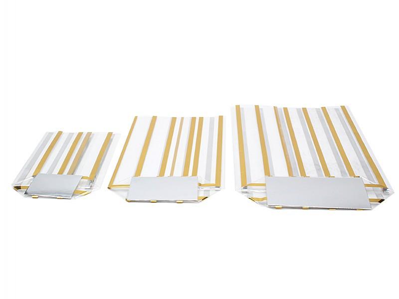 D299440 - Kruisbodemzakken 95 X 160 mm 40 my goud gestreept (incl. zilveren bodemkarton)